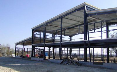 Construire un bâtiment métallique